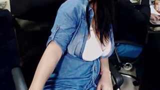 sarha02 naked stripping on cam for live sex video chat