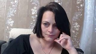 Sweet_medik naked stripping on cam for live sex video chat